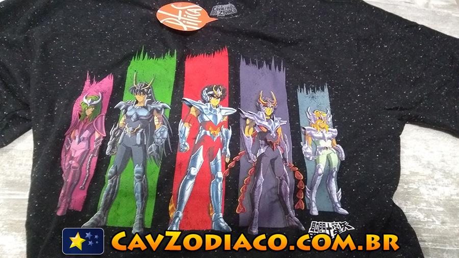 f97af310f Piticas  veja fotos da nova camiseta dos Cavaleiros do Zodíaco! - Os ...